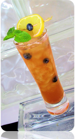 Firefly Blueberry Skinny Tea Cocktail Photo